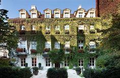 Hotel Pavillon de la Reine, Paris