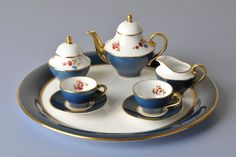Caverswall Staffordshire Porcelain (United Kingdom) — Tea set with tray (3900×2600)