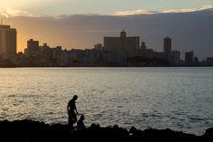 Malecon, Habana. www.alucaround.com