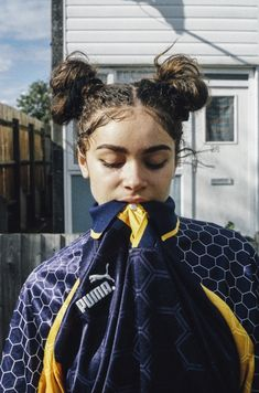 """lucymfoster: """"giftyjrblack: """"Untitled Photo By Model Omni """" My baby girl ❤️ """" Model Tips, Curly Hair Styles, Natural Hair Styles, Natural Curls, Foto Pose, Looks Cool, Mode Inspiration, Mode Style, Pretty People"""