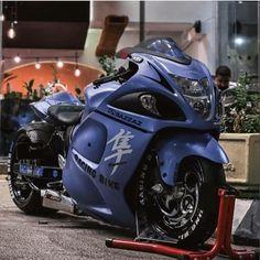 Custom Street Bikes, Custom Sport Bikes, Kawasaki Motorcycles, Cool Motorcycles, Cafe Racer Motorcycle, Motorcycle Gear, Custom Hayabusa, Bike Gang, Biker Photography