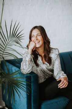 Casey Baker hired me to take her chiropractor brand photography and here is how it happened. Business Headshots, Business Portrait, Business Photos, Corporate Portrait, Marca Personal, Personal Branding, Portrait Inspiration, Photoshoot Inspiration, Photo Portrait