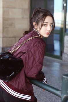Dilraba Dilmurat (Dili Reba) 迪丽热巴 (Chinese actress of Uyghur descent) Top Mode, Chinese Actress, China Girl, China China, Beautiful Asian Girls, Ulzzang Girl, Korean Girl, Asian Beauty, Korean Fashion