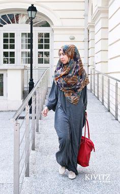 # Hijab a hijabis version of sweats! Hajib Fashion, Latest Fashion Clothes, Modest Fashion, Fashion Ideas, Fashion Inspiration, Beautiful Muslim Women, Beautiful Hijab, Islamic Fashion, Muslim Fashion