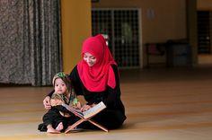 little kid trying to read the Quran  Young Beautiful Hijabi in The Worlds Hijabers Cilik Cantik Sedunia http://hijabcornerid.com/