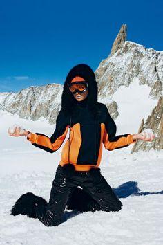 Reisetipps  Die besten Insider-News für deinen Urlaub.  LederjackeJackenSkiurlaubSchneeSkimodeWinter ModeSportmodeApres Ski OutfitsWinter  Klammoten 9c0025b23
