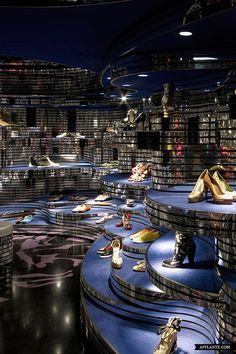 ♂ Retail space Commercial design Shoebaloo Maastricht // Meyer en Van Schooten Architects shoe store