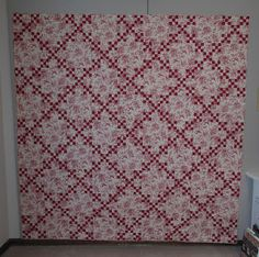 INSPIRED BY ANTIQUE QUILTS Antique Quilts, Vintage Quilts, Two Color Quilts, Red And White Quilts, Nine Patch Quilt, 2 Colours, Bohemian Rug, Blanket, Sewing
