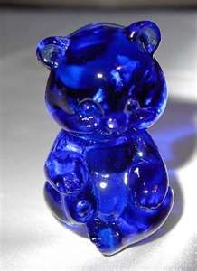 Fenton Glass Cobalt Blue Baby Sitting Bear /mine is clear