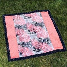 Cuddle self binding baby blanket - with easy strip pieced top by @jrm0501 - she used the video sewing tutorial by @missouriquiltco  -loving coral and navy