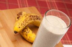 Sleepy Banana Muffin SmoothieHealthful Pursuit | Healthful Pursuit. Dairy free