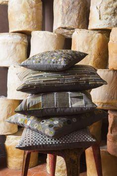 Homeware and textiles Vivaraise Textiles, Home Textile, Tree Branches, Bed Pillows, Pillow Cases, Art Pieces, Leonardo, Lifestyle, Collection