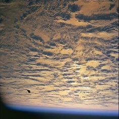 13000 Year Old Satellite? A look at the black knight UFO / satellite, all images have been checked and are genuine non edited NASA originals. Aliens And Ufos, Ancient Aliens, Black Knight Satellite, Chief Of Naval Operations, Space Debris, Space Blanket, Johnson Space Center, Nasa Missions, End Of The World