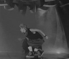 I love this gif. EXO 늑대와 미녀 (Wolf)