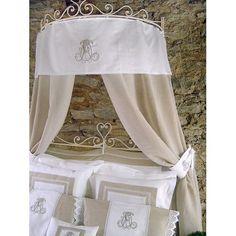 magnifique rideau feston pour ciel de lit fixation nouettes en linge ancien et chambre bebe. Black Bedroom Furniture Sets. Home Design Ideas