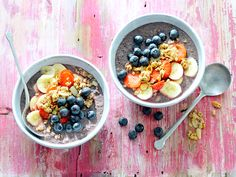 Waking up to this sweet, healthy bowl will get your morning started right.