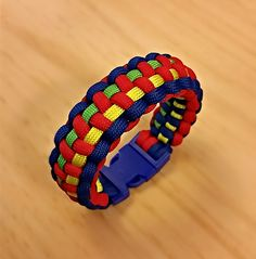 My first Autism Awareness Paracord Bracelet. Quite happy with the results.