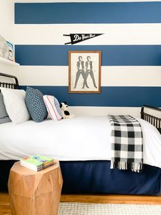This amazing boys bedroom preschool most certainly is an inspiring and really good idea Blue Accent Walls, Accent Wall Bedroom, Boys Bedroom Decor, Bedroom Colors, Bedroom Ideas, Navy Boys Rooms, Kids Rooms, Boy Rooms, Cool Boys Room