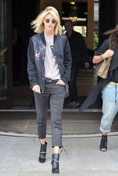 The Best Model-Off-Duty Looks (Updated!): Anja Rubik brought her fashion-forward ways to Warsaw wearing a sporty varsity jacket with lace-up denim and spiked booties. Anja Rubik, Look Fashion, Fashion Models, Fashion Tips, Celebrities Fashion, Fashion Spring, Womens Fashion, Isabel Marant, Modell Street-style