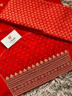 Aari Embroidery, Hand Work Embroidery, Embroidery Designs, Embroidery Stitches, Dress Neck Designs, Bridal Blouse Designs, Bridal Sarees South Indian, Indian Bridal, Hand Work Blouse Design