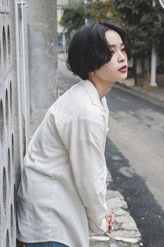 Korean Short Hair, Short Hair Cuts, Cut My Hair, New Hair, Shot Hair Styles, Long Hair Styles, Aesthetic Hair, Grunge Hair, Silver Hair
