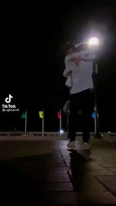 Couple Video Tumblr, Cute Couple Videos, Cute Couple Pictures, Freaky Relationship Goals Videos, Couple Goals Relationships, Couple Relationship, Cute Couples Kissing, Cute Couples Goals, Couple Aesthetic