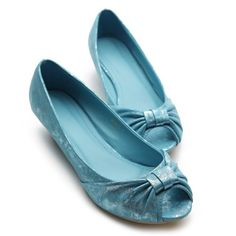 $16. small built in heel. metallic blue. Ollio Womens Ballet Flats Loafers Ribbon Accent Low Heels Turquoise Shoes Ollio,http://www.amazon.com/dp/B008O6XROI/ref=cm_sw_r_pi_dp_c7lYrb644EFA46AF