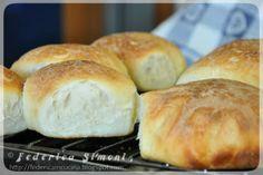 La cucina di Federica: Pane semplice con lievito madre