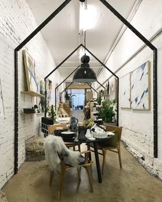 1,212 vind-ik-leuks, 9 reacties - Rue (@ruemagazine) op Instagram: 'Designer Tamara Kaye-Honey of @houseofhoney recently went to Sydney, Australia... and we politely…'