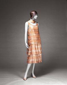 Evening dress by Chanel, c. 1926, Kobe Fashion Museum