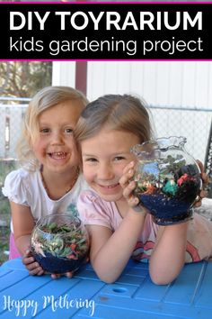 Learn how to make toyrariums in this fun kids gardening tutorial. The terrariums are easy for kids to make & can inspire them to help in the family garden. Diy Crafts For Tweens, Fun Crafts For Kids, Craft Activities For Kids, Summer Activities, Projects For Kids, Craft Projects, Natural Parenting, Parenting Tips, Rainy Day Crafts
