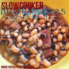New Year's Black Eyed Peas (Slow Cooker). Made Jan 1 Good but want to spice it up next time. A little bland as is. Crockpot Dishes, Crock Pot Slow Cooker, Crock Pot Cooking, Slow Cooker Recipes, Crockpot Recipes, Cooking Recipes, Veggie Dishes, Vegetable Recipes, Side Dishes