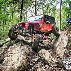 How to Take Good Beach Photos Jeep 4x4, Jeep Wrangler Pickup, Jeep Truck, Enjoy Your Weekend, Diesel Trucks, Jeep Life, Beach Photos, Double Tap, Cars And Motorcycles