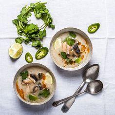Nếu bạn là một food blogger, một nhiếp ảnh về ẩm thực hay chỉ đơn giản đam mê chụp những bức hình đẹp về món ăn của mình, thì bạn không thể bỏ qua bộ sưu tập dưới đây của Designs.vn để có những ý tưởng và cách nhìn mới mẻ hơn về nhiếp ảnh ẩm thực.