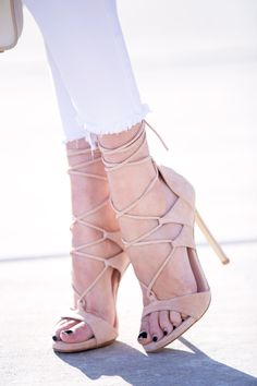 Stuart Weitzman Lace-up-Sandals