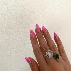 Pink Tip Nails, Hot Pink Nails, Cow Nails, Pink Nail Art, Aycrlic Nails, Nail Manicure, Swag Nails, Hair And Nails, Rounded Acrylic Nails
