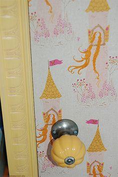 Anthropologie doorknob on little girls closet. #anthrofave #juvenilehalldesign