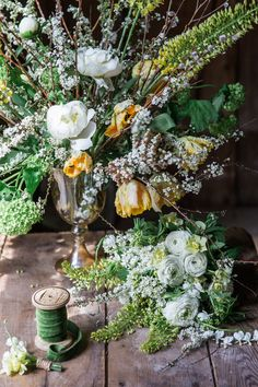 10 Wedding Florists with Classic Style | Wedding Flower Arrangement by Emily Herzig Floral Studio - Rodeo & Co.