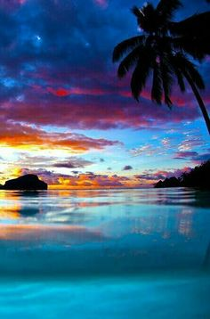Sunset, Tahiti photo on Sunsurfer Beautiful Sunset, Beautiful Beaches, Beautiful World, Pretty Pictures, Cool Photos, Photo Hacks, Belle Photo, Beautiful Landscapes, Nature Photography