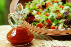 No-Fat Honey French Dressing Easy Homemade Salad Dressing Recipe Gluten Free Salad Dressing, Salad Dressing Recipes, Salad Recipes, Healthy Recipes, Super Simple, French Salad Dressings, Strawberry Vinaigrette, French Vinaigrette, French Dressing