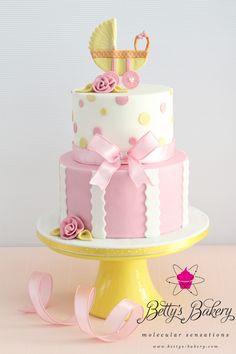 'It´s a girl!' - Baby Shower Cake by www.bettys-bakery.com