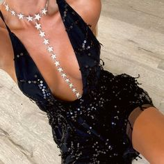Featuring a beautiful sequin pattern overlaid on ultra-soft fabric, this hot mini dress will have you feeling like you're on the runway during fashion week. Short Sparkly Dresses, Black Sparkly Dress, Black Party Dresses, Club Dresses, Short Dresses, Mini Dresses, 20s Dresses, Dress Black, Nye Dress