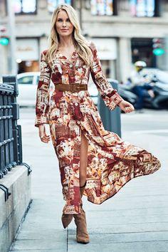 Vestido estampagem cidades | Vestidos e macacões | Cortefiel Ideias Fashion, Bohemian, Patterned Dress, Stampin Up, Full Sleeves, Woman, Cities, Plunging Neckline, Over Knee Socks