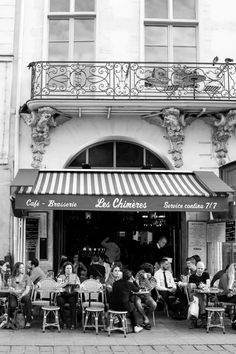 Vintage Sidewalk Cafe Paris / Parisian Cafe Black and White / Paris Photography Art Prints / Vintage Paris / French Cafe Black and White Paris Black And White, Black And White Aesthetic, Black And White Pictures, Cafe Black, White Cafe, Vintage Cafe, Vintage Paris, French Cafe, French Style