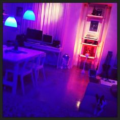 'Having way too much fun with my iphone controlled HUE led lights! #meethue #philipshue'