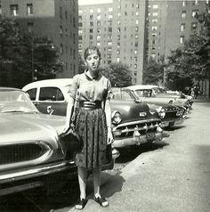 1950s NYC - Google Image Result for http://downtowntraveler.com/wp-content/uploads/2011/06/Billie-NYC_1950s.jpg