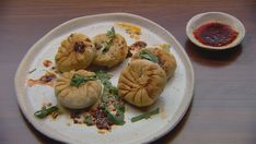 Entertain your guests by making these mini Chinese beef pies at your next dinner party Food Network Recipes, Cooking Recipes, Cooking Ideas, Food Ideas, Masterchef Recipes, Masterchef Australia, Beef Pies, Asian Snacks, Network Ten