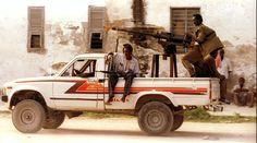 Afbeeldingsresultaat voor machine guns on toyota pick up