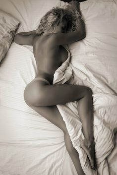 Ultimate Bedtime Redux Undressed in the Bed   (www.pinterest.com/animanegra/ultimate-bedtime-redux/)
