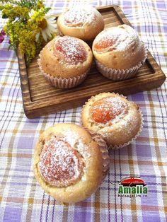Briose cu caise - Hai să gătim cu Amalia Muffins, Cupcakes, Breakfast, Cooking Ideas, Food, Morning Coffee, Muffin, Cupcake Cakes, Essen